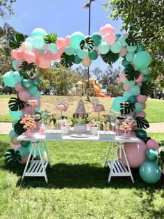 Flamingo Birthday Party Ideas Loving this Flamingo dessert table! The balloon garland is amazing! Hawaiian Birthday, Flamingo Birthday, Flamingo Party, Luau Birthday, Flamingo Baby Shower, Park Birthday, Moana Birthday Party, Birthday Table, Dinosaur Birthday