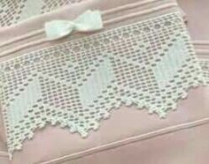 geometrico Filet Crochet, Crochet Borders, Crochet Lace, Hardanger Embroidery, Hand Embroidery, Crochet Afgans, Crochet Projects, Diy And Crafts, Lace Knitting