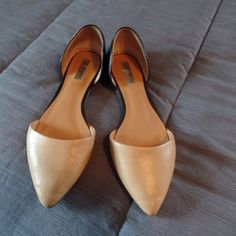 Halogen Black & Camel d'Orsay flats Excellent condition, tan/camel and black D'Orsay flats. Fits true to size, but my foot is a little too wide for them. Halogen Shoes Flats & Loafers