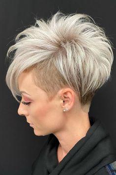 Pixie Haircut For Thick Hair, Cute Pixie Haircuts, Cute Pixie Cuts, Short Hair With Layers, Short Hair Cuts, Short Bob Hairstyles, Cool Hairstyles, Undercut Pixie Haircut, Medium Hair Styles