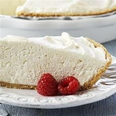 Low Fat Cheesecake Recipe, No-Bake - 8 oz Cool Whip Free - 8 oz less fat Philadelphia Cream Cheese - 9 inch reduced fat Graham Cracker Crust - cup sugar - 1 tsp lemon juice Directions: In a large bowl, whip cream cheese, lemon and sugar fo Weight Watchers Cheesecake, No Bake Vanilla Cheesecake, Easy No Bake Cheesecake, Baked Cheesecake Recipe, Weight Watchers Desserts, Cheesecake Desserts, Light Cheesecake, Low Calorie Cheesecake, Skinny Cheesecake