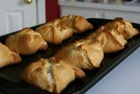 Home Sweet Home: Recipe Share: Cresent Roll Chicken Pockets