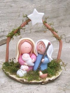 Pecebres Polymer Clay Figures, Polymer Clay Crafts, Christmas Nativity Scene, Christmas Ornaments, Christmas Time, Nativity Scenes, Crea Fimo, Polymer Clay Christmas, Nativity Crafts