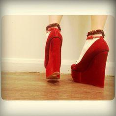 รองเท้าที่สูงที่สุดในชีวิต 7inch เท่านั้นเอง #chalotte Olympia - @bibichalai- #webstagram