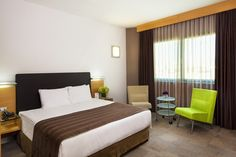 Point Hotel Management Executive Room, Guest Rooms, Convention Centre, Management, Bed, Furniture, Home Decor, Guest Bedrooms, Decoration Home