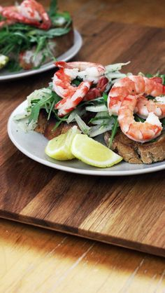 Bruschetta with prawns and fennel