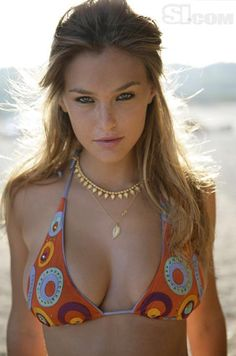Bar Refaeli is an Israeli fashion model and occasional actress. She is best known for appearing in Sports Illustrated Swimsuit Issue in the years and Bar Refaeli, Michaela Bercu, Sexy Lingerie, Sports Illustrated Models, Swimsuit Edition, Si Swimsuit, Sexy Girl, Mannequins, Look Fashion