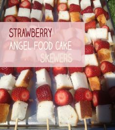 The perfect dessert recipe for people who can't cook: Strawberry Angel Food Cake Skewers (no baking, no cooking skills, no kitchen required!) via Hrubec Hrubec Anne Crafting Just Desserts, Delicious Desserts, Dessert Recipes, Yummy Food, Strawberry Angel Food Cake, Le Diner, Perfect Food, Kids Meals, Skewers
