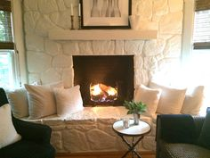 5 Aligned Tips AND Tricks: Fireplace Winter Romantic open fireplace french doors.Old Farmhouse Fireplace small fireplace bath.Fireplace With Tv Above Cable Box. Painted Rock Fireplaces, Painted Stone Fireplace, Cottage Fireplace, Brick Fireplace Makeover, Fireplace Remodel, Fireplace Design, Stone Fireplaces, Fireplace Seating, Fireplace Bookshelves