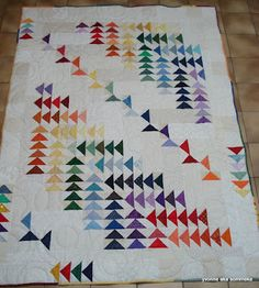 Quilty inspiration- and yet another way to use my flying geese. Quilt Block Patterns, Quilt Blocks, Quilting Projects, Quilting Designs, Flying Geese Quilt, Quilt Modernen, Rainbow Quilt, Quilt Border, Contemporary Quilts