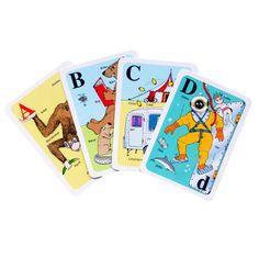 Morsomt, lærerikt og flott kortspill som aktiverer barn til å spille 5 forskjellige spill, og til å utføre 5 forskjellige leker/aktiviteter.  Gjennom spennende spill og underholdende leker, lærer barnene alfabetet, å lage ord, og å stave.  Det følger med to foldere med beskrivelse av de 5 lekene og spillene.  Lekene er stavelek, fortell en historie, lag et kjede, bygg et korthus og finn fem feil.  Spillene er huskespill, bildelotteri, svarteper, hvem får flest opp & ned.  De voksne kan delta…