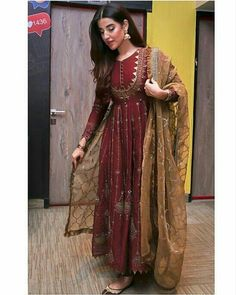 Stylish Actress Hareem Farooq Wardrobe by Pakistani Designers : we see Hareem Farooq wearing Zainab Chottani, Maria B dress, Sapphire and Sania Maskatiya outfit Simple Pakistani Dresses, Indian Gowns Dresses, Indian Fashion Dresses, Dress Indian Style, Pakistani Dress Design, Indian Designer Outfits, Pakistani Designers, Shadi Dresses, Indian Dresses For Women