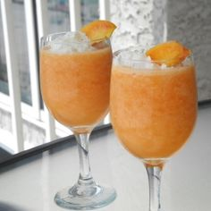 Non-Alcoholic Peach Daiquiris by calculustocupcakes....i would definately be adding alcohol ;-)