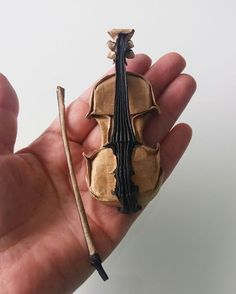 Violin - Gen Hagiwara Kraft 40g+foil+vog - 30x7,5cm Bow - Paulius Mielinis Kraft+vog - 11,5x2,0 cm