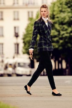 34 Ideas On How To Style a Plaid