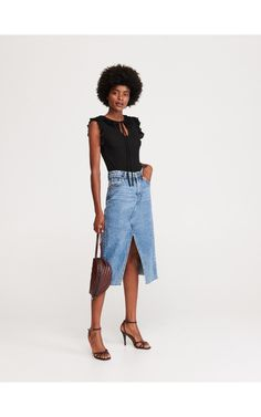 Bluză cu volane, Tricouri, negru, RESERVED Waist Skirt, Midi Skirt, High Waisted Skirt, Skirts, Fashion, Moda, Midi Skirts, High Waist Skirt, Skirt