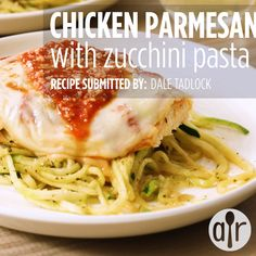 Chicken Parmesan with Zucchini Pasta - Zucchini rezepte Chicken Zucchini Pasta, Zucchini Pasta Recipes, Chicken Recipes, Zuchinni Pasta, Zucchini Noodles, Healthy Eating Recipes, Healthy Cooking, Cooking Recipes, Raw Recipes