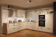 sitzbank vor kochinsel k che k che wohnk che und k chen ideen. Black Bedroom Furniture Sets. Home Design Ideas