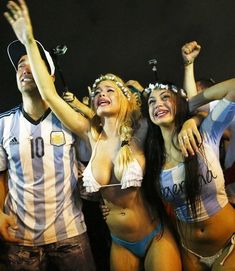 Argentina fans celebrate after their team won the 2014 World Cup semi-final match against the Netherlands as they watched at Copacabana beach in Rio de Janeiro Hot Football Fans, Football Girls, Soccer Fans, Hot Bikini, Bikini Girls, Hot Fan, Black Actors, Sporty Girls, Sexy Hot Girls