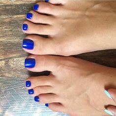 Blue Toe Nails, Pretty Toe Nails, Blue Toes, Feet Nails, Pretty Toes, Blue Pedicure, Painted Toes, Foot Pics, Sexy Toes