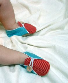 "DIY Baby ""Shoes"""
