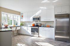 Marvelous 100+ Sleek and Inspiring Modern Contemporary Kitchens https://decorspace.net/100-sleek-and-inspiring-modern-contemporary-kitchens/
