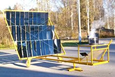 The ambitious people over at GoSol have just released a free solar concentrator construction guide that aims to educate communities on the ability to harness solar energy through low-cost DIY tech. Solar Energy Panels, Best Solar Panels, Solar Cooker, Solar Solutions, Eco Architecture, Solar Projects, Energy Projects, Solar Roof, Solar House