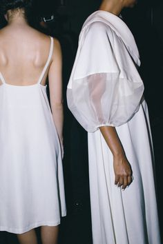 Contemporary Fashion long white dress with voluminous sleeves // Gail Sorronda SS16