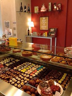 Pasticceria su Misura: pastry shop and café in Lecco, Lake Como   Pasticceria su Misura: pasticceria e caffetteria a Lecco, Lago di Como  #pasticceriasumisura #lakecomo #lagodicomo #pastry #café