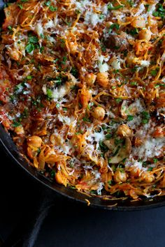 Vegetarian Spaghetti Squash Skillet…This satisfying meatless meal is filled with mushrooms, chickpeas and a marinara sauce! 143 calories and 3 Weight Watchers SmartPoints -