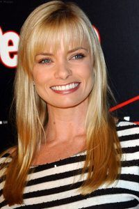 Jaime-Pressly-Long-Straight-Cut-With-Bung