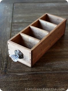 DIY Spice Packet Organizer and other Wooden Crates for your Space