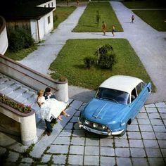 Tatra 603-1 Bratislava, Ambulance, Kustom Kulture, Car Posters, Automobile Industry, Limousine, Soviet Union, Old Cars, Cars And Motorcycles