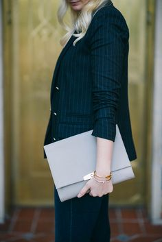 Cuyana Leather Clutch | The Style Scribe