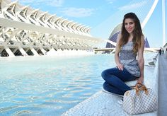 photography diary of Valencia, outfit with Louis Vuitton bag