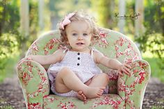 Toddler Photography > Chair