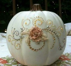 Fancy pumpkin - a Cinderella pumpkin / Halloween mash up??