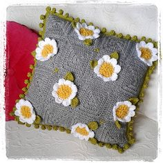 Crazy daisy square pattern.