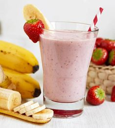 Banana, Kale, and Strawberry Smoothie Recipe . Might be able to get my son to try this in order to get more green vegetables! Strawberry Banana Smoothie, Apple Smoothies, Healthy Smoothies, Healthy Desserts, Healthy Recipes, Smoothie Recipes With Yogurt, Smoothie Prep, Healthy Cat Treats, Exotic Food