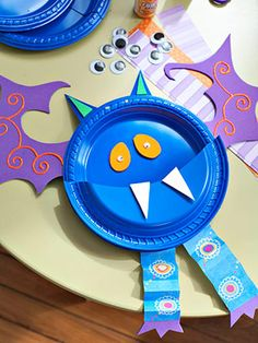 Crafts for Kids:  Plastic-Plate Ghoulies for Halloween