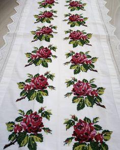 Napkins, Cross Stitch Rose, Creativity, Dots, Cross Stitch, Embroidery, Towels, Dinner Napkins