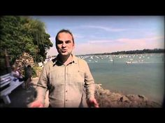 Une vidéo sur la ville de Dinard, station balnéaire réputée pour ses plages, au bord de la Côte d'Emeraude, à deux pas de Saint-Malo et de Cancale.