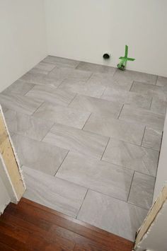 Stunning Bathroom Tile Makeover Ideas (29)