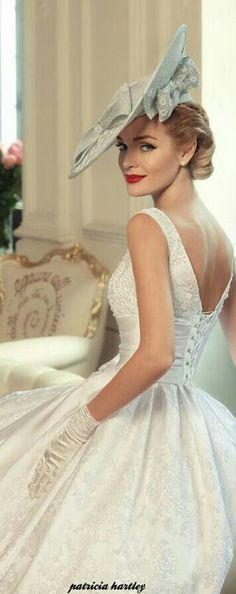 Tatiana Kaplun bridal collection 2015 presents the Jazz Sounds line as one of the bridal dresses ranges from the Russian designer. Kentucky Derby Outfit, Vintage Outfits, Vintage Dresses, Vintage Fashion, Vintage Clothing, Bridal Dresses, Wedding Gowns, Flower Girl Dresses, Wedding Shoot