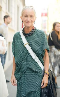 Vogue fashion director Lucinda Chambers has been in the spotlight since she emerged as the star of the BBC documentary Absolutely Fashion (Beauty Face Women) Fashion Mode, Vogue Fashion, Fashion Over 50, Vogue Uk, Fashion Week, Fashion Beauty, Fashion Looks, Womens Fashion, Fashion Tips