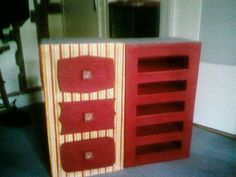 Les deux premiers blocs...(un à tiroirs, l'autre à étagères)