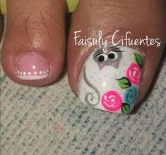 Animales, rosas, manos Toenail Art Designs, Pedicure Nail Designs, Pedicure Nail Art, Purple And Pink Nails, Pretty Pedicures, Cat Nails, Girls Nails, Classy Nails, Cute Nail Art