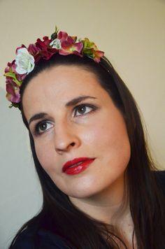 Šípková Růženka Jemná romantická čelenka s drobnými bílými květy růže doplněná růžovými květy hortenzie.