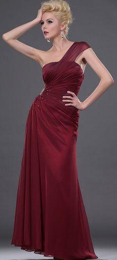 990f84a494 Este vestido de fiesta hermoso y coqueto esta desarrollado en chiffon de  seda delicado y cuenta