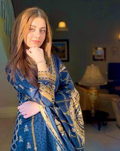 Pakistani Frocks, Pakistani Bridal Dresses, Pakistani Actress, Pakistani Culture, Pakistani Clothing, Pakistani Dramas, Pakistani Girls Pic, Punjabi Girls, Pakistani Designer Suits